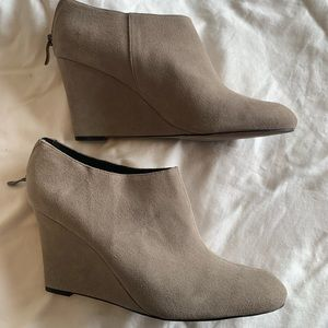New Ann Taylor grey suede wedge booties. Size 11